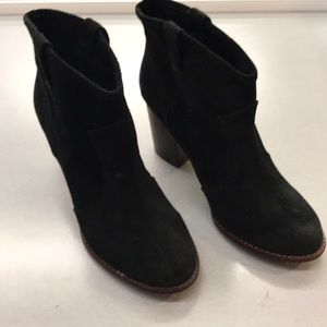 Splendid Shoes   Lakota Suede Pull on Ankle Boots